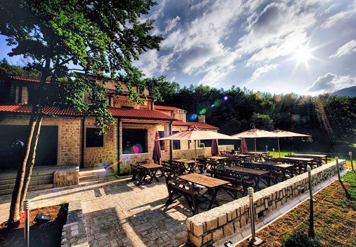 restaurant terrasse soleil Montenegro