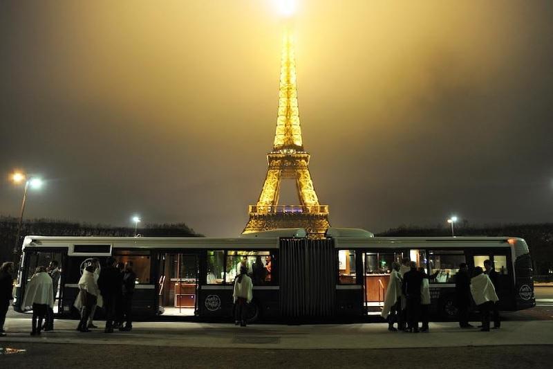 Soirée VIP dans un bus à Paris 5